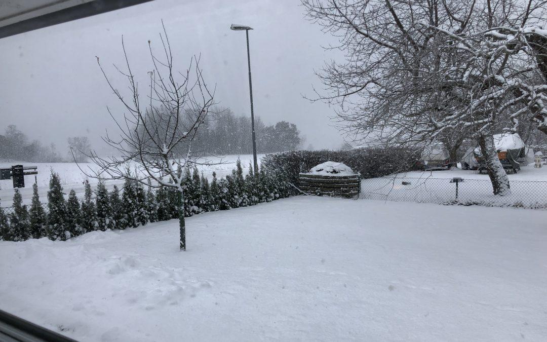Nu är verkligen snön här i Huvudstaden!